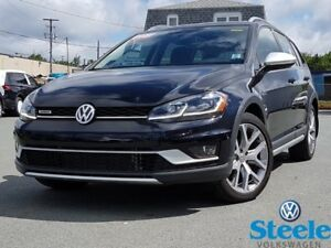 2018 VOLKSWAGEN GOLF WAGON ALL TRACK - One owner, trade-in, low