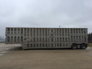 3-deck Livestock Trailers - Triaxles and Tandems