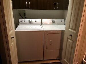 laveuse secheuse maytag laundry pair
