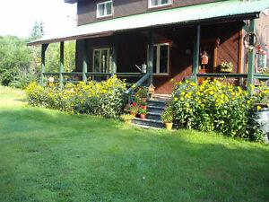 House for sale in Upper Gatineau/ Maison a vendre Haute-Gatineau