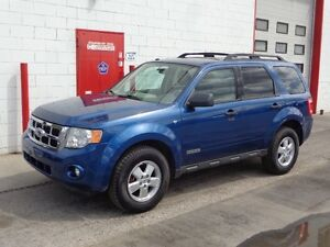 2008 Ford Escape XLT ~ V6 4X4 ~ Sunroof ~ Accident free ~ $8880