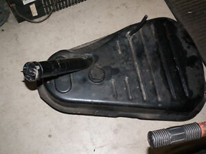 GAS TANK ABOUT  6 GALLONS ,USE FOR ANY SMALL ENG. Windsor Region Ontario image 4
