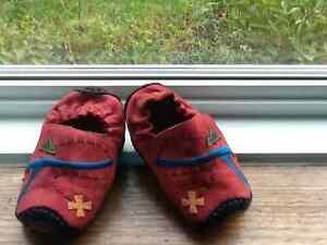 Babies UMI treasure map red leather moccasins