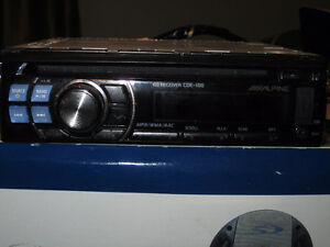 Alpine CDE-100 Head Unit& Alpine SPS-600 6.5 in speakers