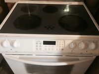 Frigidaire glass top stove+self clean+2 dual burner+Convection