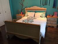 Mobilier de chambre à coucher / set de chambre complet