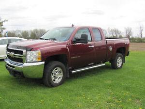 2009 Chevrolet Silverado 2500 LT Pickup Truck