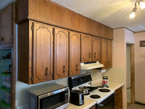 Kitchen cabinets for sale $100.00