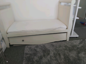 Mothercare bloomsbury Cot bed