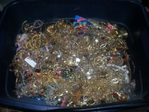 Rubbermaid packed with jewellery