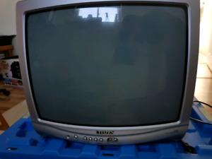 "19"" colour tv free"
