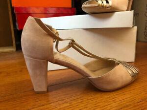 NEW- Sandals with heel - Size  39 (8.5) JONAK