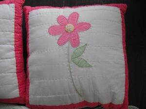 2 Pillows and 1 Double Reversible Quilt London Ontario image 4