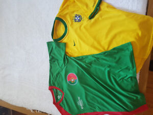 1 large Portugalia ou 1 medium Brazil..Both Dryfit NIKE soccer