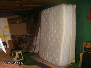 queensize boxspring & mattress