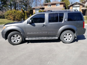 2007 Nissan Pathfinder LE -7 Seater - FULLY LOADED + SAFETY