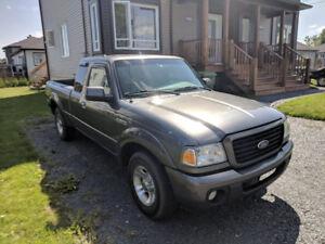 Ford Ranger 2008 Manuelle Moteur 120,000km (Poss. Echange)