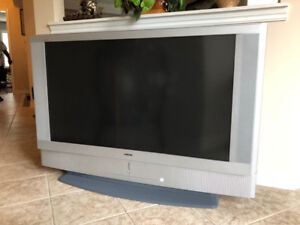 50 inch - Sony LCD-projection TV - $90