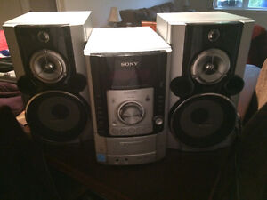 New 5 disc Sony CD player