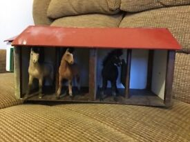 3 Dolls House Stables come with 3 horses as in pictures will sell £20 must be collected