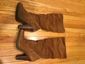 MICHAEL KORS - LADIES SIZE 8 - BROWN SUEDE BOOTS