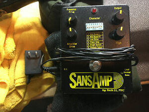 Sans Amp pedal with power supply