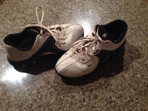 Golf Shoes - Junior - Size 5 Youth - Nike
