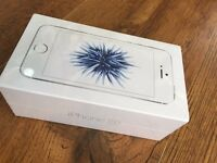 IPhone SE 16gb white and silver brandnew sealed pack