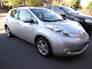 2011 Nissan Leaf. Full electric. $14800