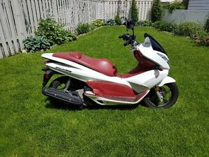 Honda PCX 150 2013 for sale.