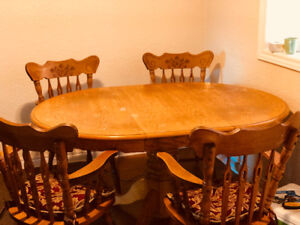 Folding dinning table and chairs