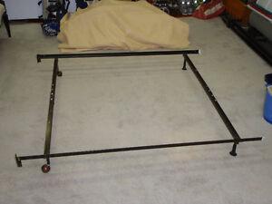 Cadre de lit / Bed frame