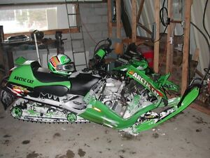 Looking For Unwanted/Blown Up/Crashed Snowmobiles/Sleds