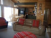 4 SEASONS COTTAGE ON COUCHICHING - BOOK YOUR VACATION NOW!