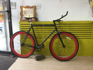 Grand special $300 vélo fixie gear neuf 2017