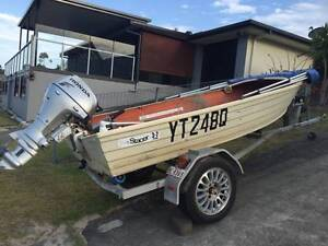 12 foot tinnie w trailer & Honda 20 hp 4 stroke outboard Surfers Paradise Gold Coast City Preview