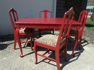 BoHo  TABLE & 4 CHAIRS REDUCED *