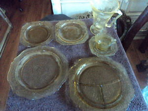 Decorative 6 Piece Vintage Yellow Glass Dishes