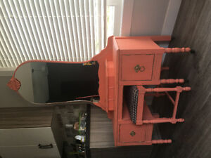 Priced To Sell --- Antique Vanity!!