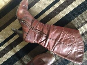 Guess Boots - Size 6