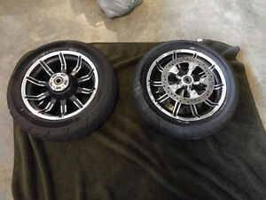 2016 Road King wheels and rubber