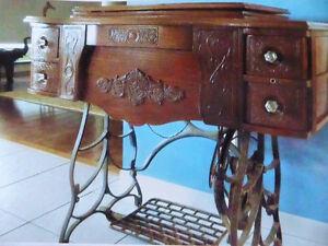 Très belle pièce antique:  Machine à coudre