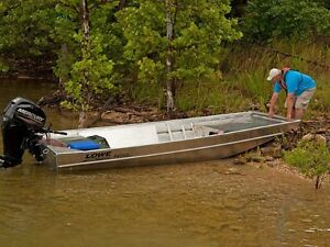 2017 Lowe Boats Roughneck 1655 Shallow Water