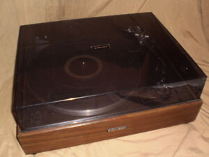 Pioneer and Technics Turntables with cartridge and needle