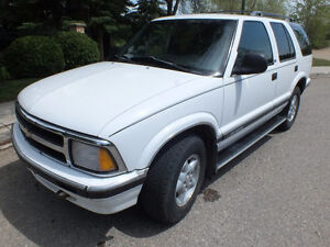PULL THE BOAT THIS SUMMER OR AWD THIS SUV IN WINTER -1997 BLAZER