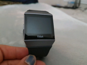 FITBIT IONIC MINT CONDITION