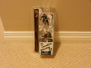 """McFARLANE NHL LEMIEUX/GIGUERE 3"""" ACTION FIGURES NEW IN PACKAGE"""