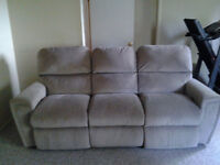 La Z Boy couch with 2 reclining parts
