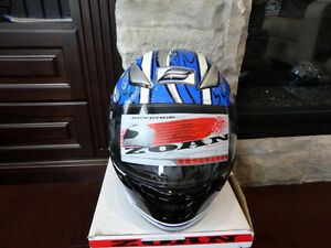 Zoan Revenge Helmet Size XS Blue Flame w/4 Visors Incl.Brand New Kitchener / Waterloo Kitchener Area image 4