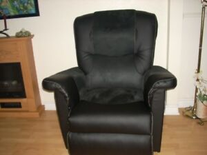 Electric chair black velvet new. Paid 2200 asking 1800